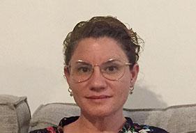 מילכה חנוקוגלו, מטפלת ילדים ומבוגרים